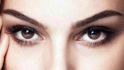 Макияж и прическа для карих глаз