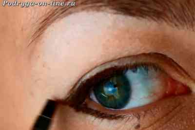 Дневной макияж для маленьких глаз с нависшим веком